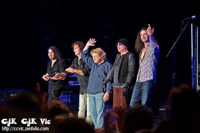 Photo of the Lou Gramm band in concert at the CNE Bandshell. Photo credit ccvic.zenfolio.com