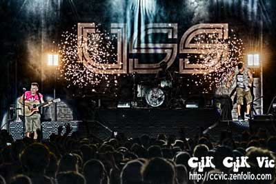 Photo of USS in concert at the CNE Bandshell. Photo credit ccvic.zenfolio.com