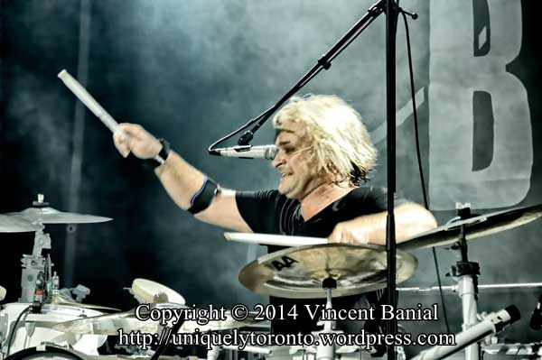 Photo of Platinum Blonde performing atthe Toronto CNE in 2014. Photo credit Vincent Banial