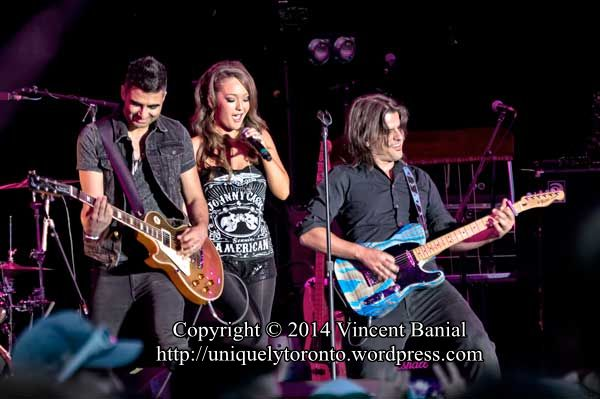 Photo of the Kira Isabella concert at the CNE Bandshell in 2014. Photo credit Vincent Banial