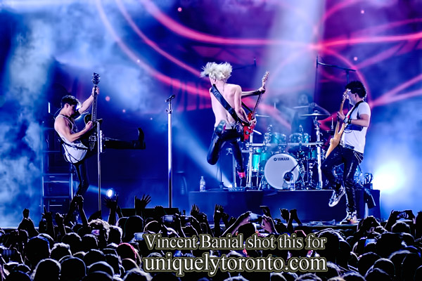Photo of Marianas Trench performing in Toronto at Nathan Phlips Square in 2015. Photo credit Vicnent Banial