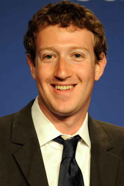 Mark_Zuckerberg_at_the_37th_G8_Summit_in_Deauville_018_v1-600x
