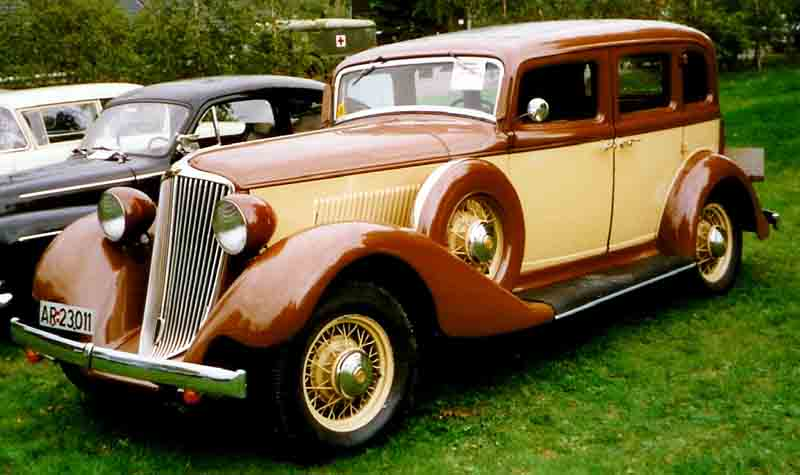 Photo of a 1932 Graham Bluestreak 4-Door Sedan